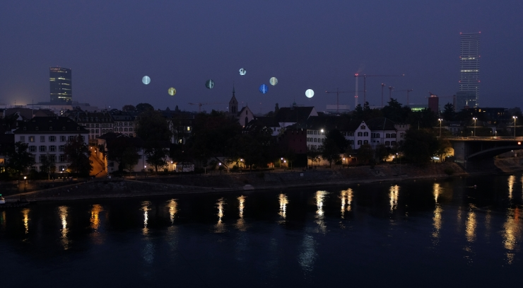 Jardin des planètes by night.